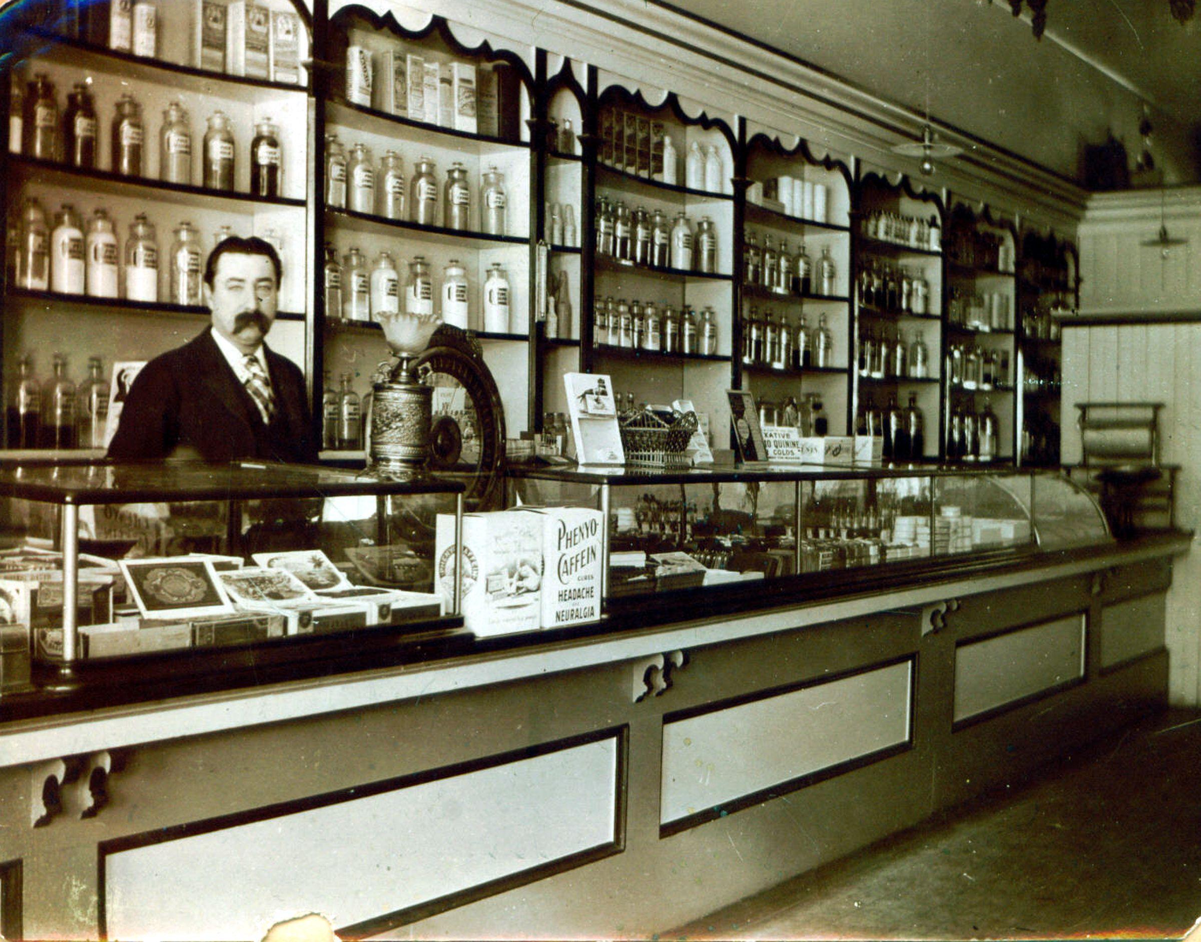 Phrase, vintage pharmacy photographs theme