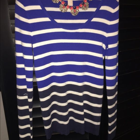 Banana republic sweater Blue, white and black sweater Banana Republic Sweaters Crew & Scoop Necks