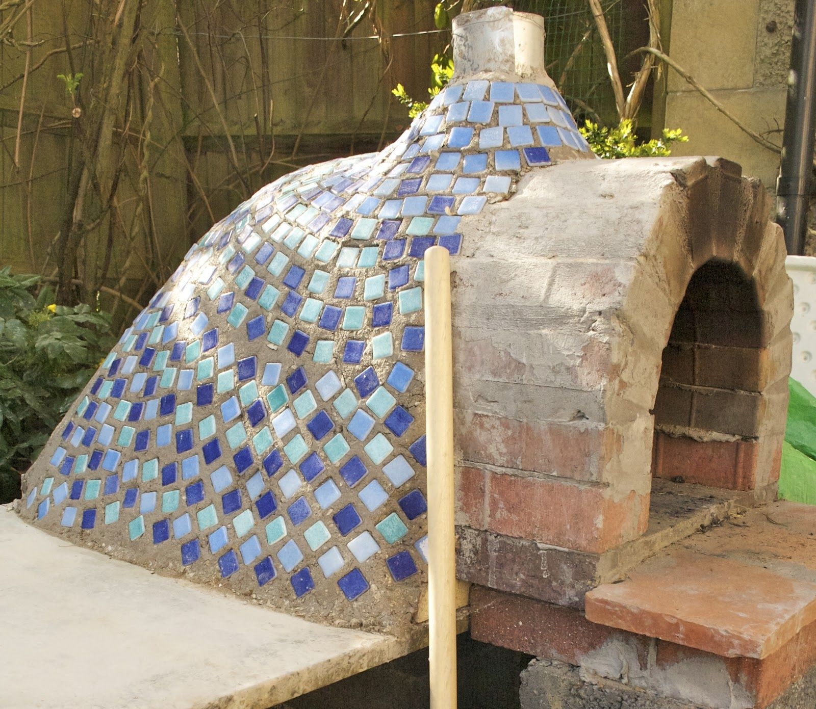 Outdoor Bread and Pizza Oven | Mosaic ideas | Pinterest | Oven ...