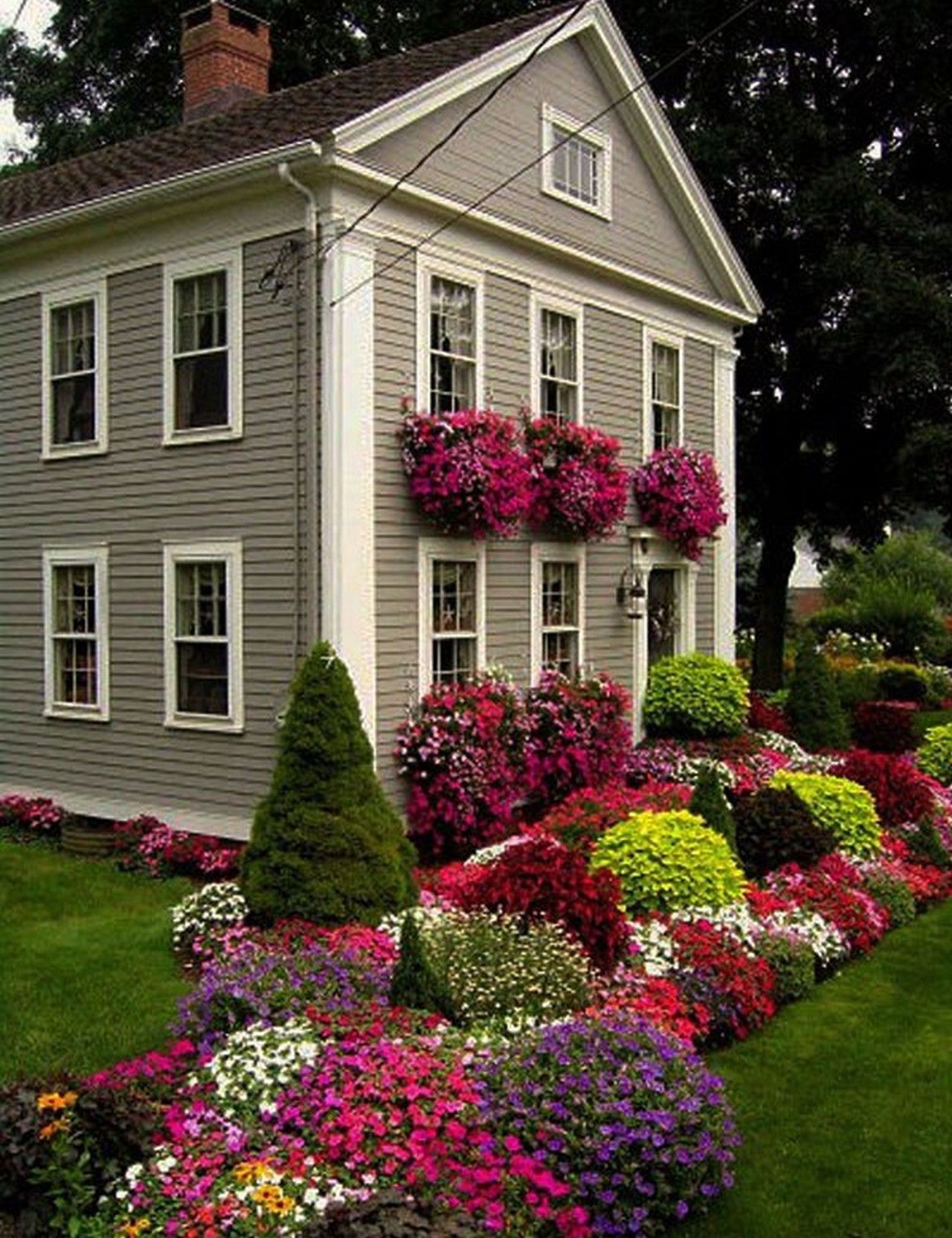 Awesome landscaping ideas for front yards composition for Front yard flower bed ideas