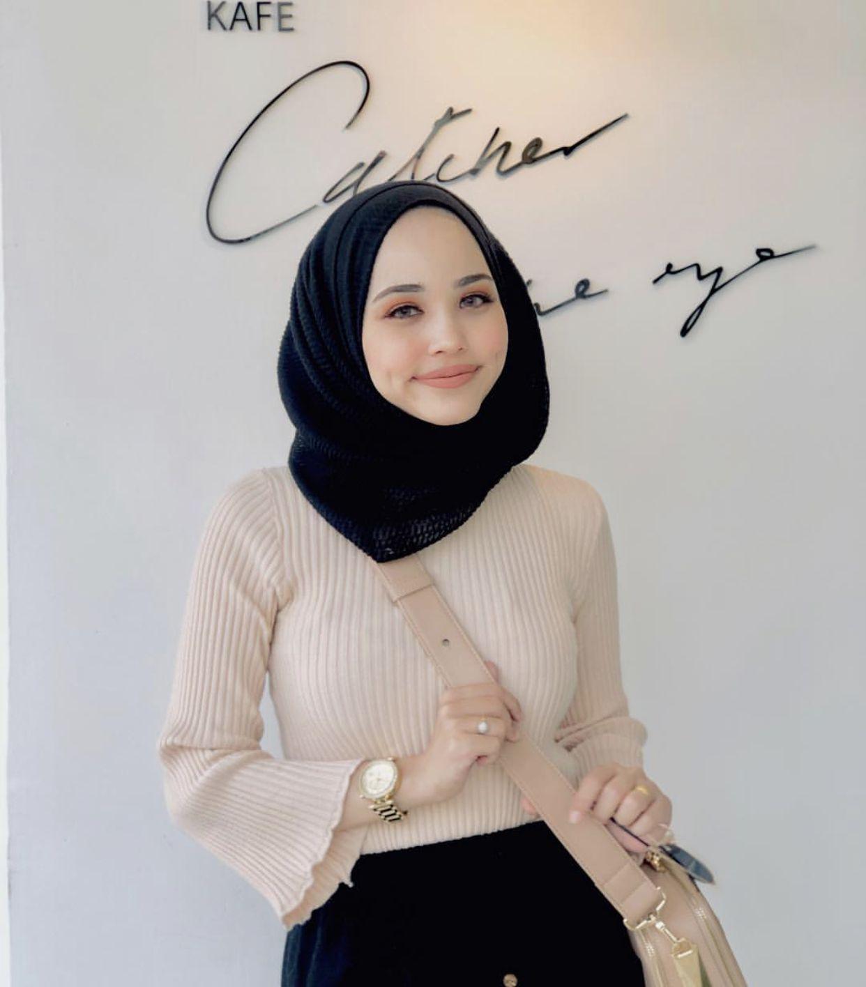 Muslimah Hot Jilbab Seksi Twitter Instagram