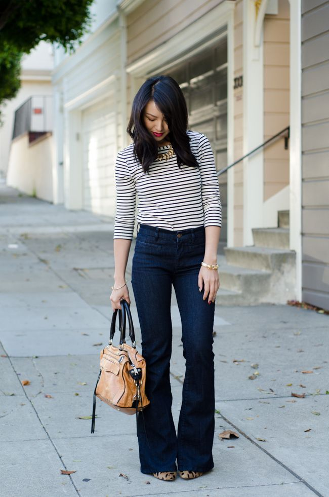 262ccb5dacc33 What Shoes to Wear with Flared Jeans