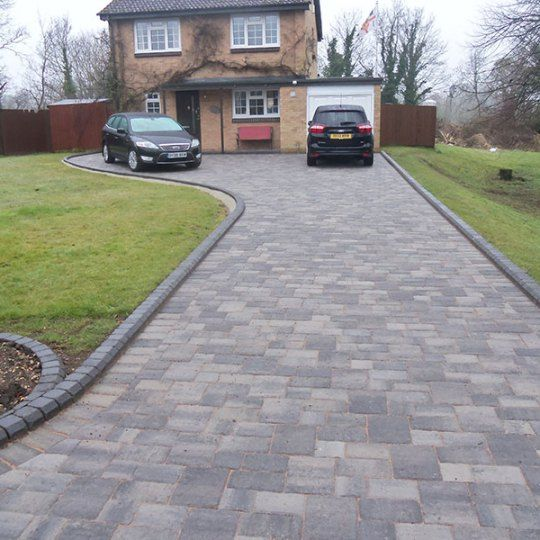 Home Driveway Design Ideas: 21+ Stunning Picture Collection For Paving Ideas