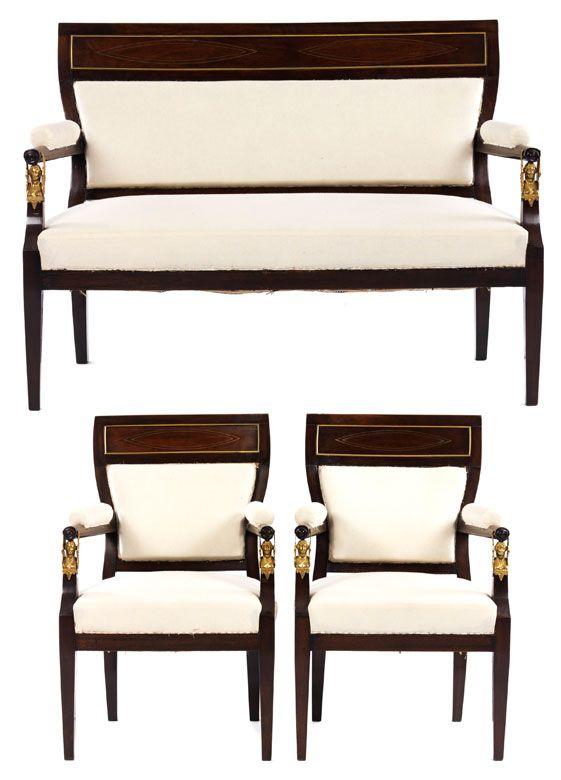 Höhe der Stühle: ca. 94 cm. Breite: 58 cm. Tiefe: 58 cm. Höhe des Sofas: ca. 92 cm. Breite: 125 cm. Tiefe: ca. 60 cm. Russland, Anfang 19. Jahrhundert....