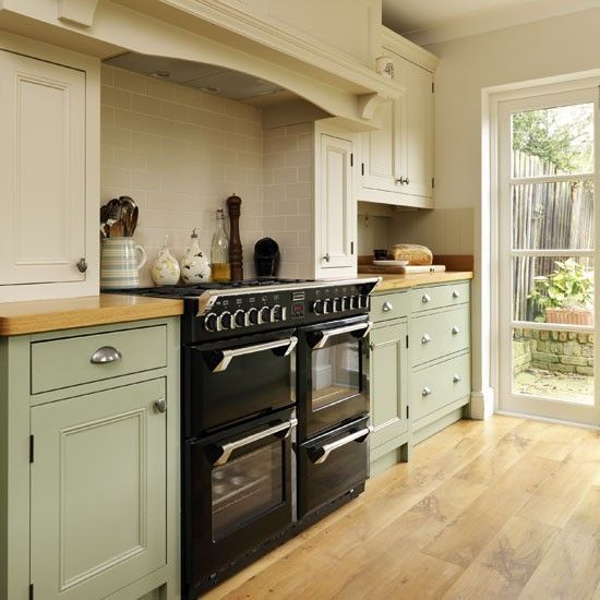 Range Cooker Step Inside This Traditional Soft Green Kitchen Reader Kitchen Photo Gallery