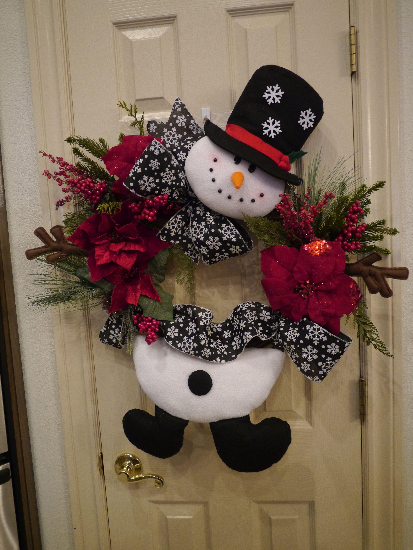 Woodsy Snowman Wreath Snowman Wreath Christmas Snowman Buffalo Plaid Snowman By Zazzycountry O Christmas Wreaths Christmas Decorations Rustic Holiday Crafts