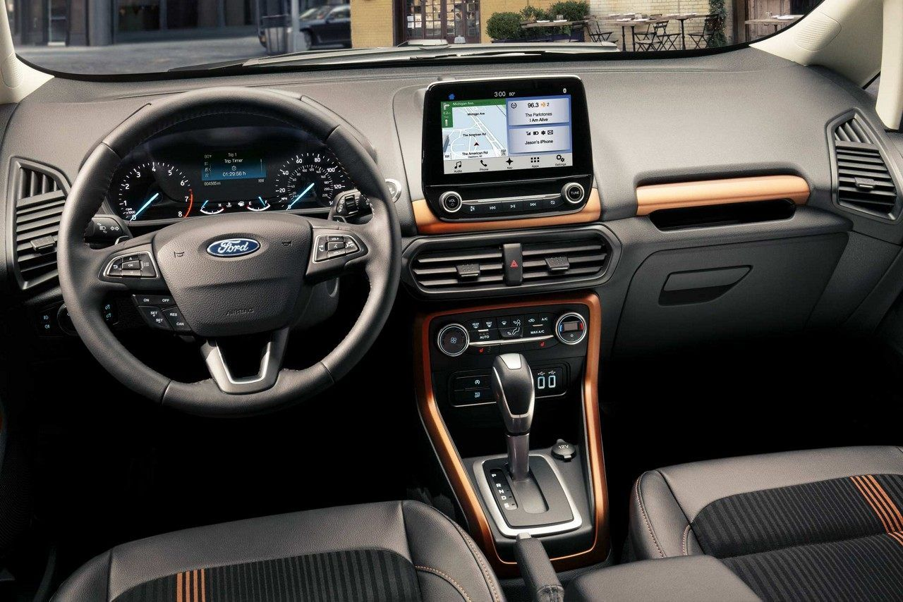 The 2018 Ecosport Ses Interior Offers A Sleek Cockpit Look With Copper Accents Ford Ecosport Compact Suv Ford