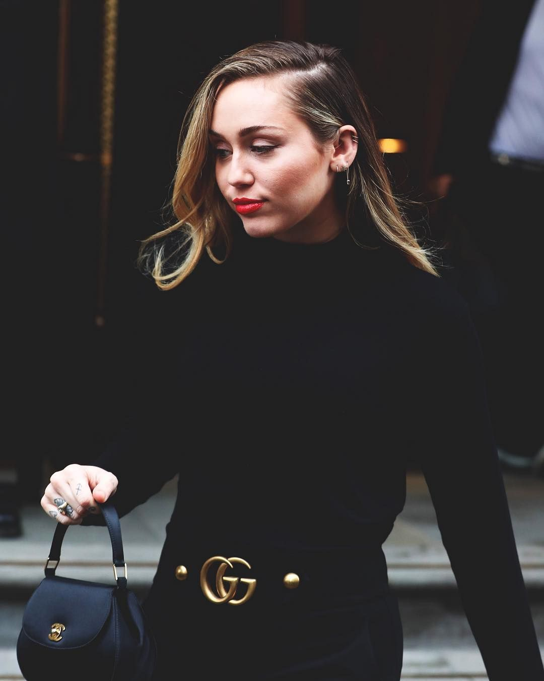 December 5th 2018 Leaving Her Hotel In London Mileycyrus Mil