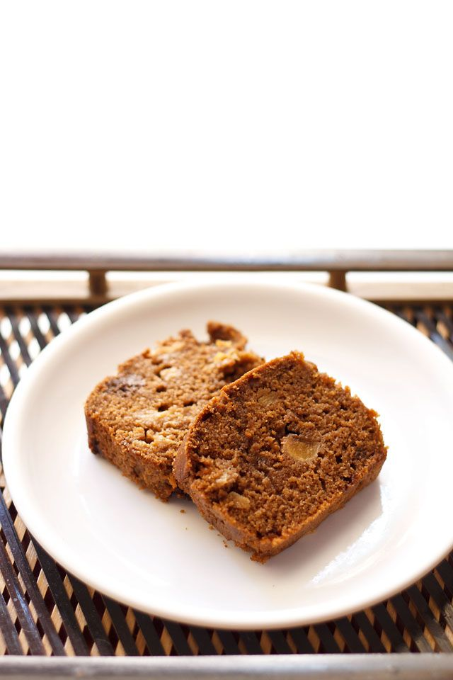 eggless apple cake step by step recipe. a simple and easy vegan cake recipe where you just need to mix the ingredients with a spatula or spoon. vegan cake recipe.