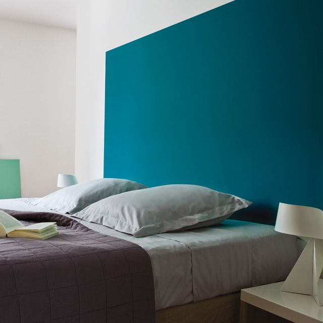 peinture murs et boiseries pantone 18 4733 enamel blue satin 1l t te de lit bleu peinture mur. Black Bedroom Furniture Sets. Home Design Ideas
