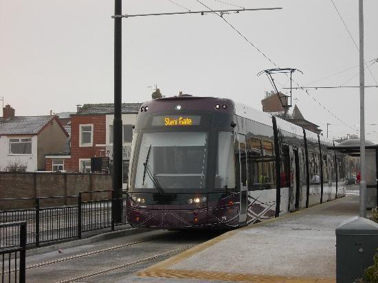 Blackpool tram running from Golden Mile to Fleetwood. (CybilSurrey, Dec 2012)