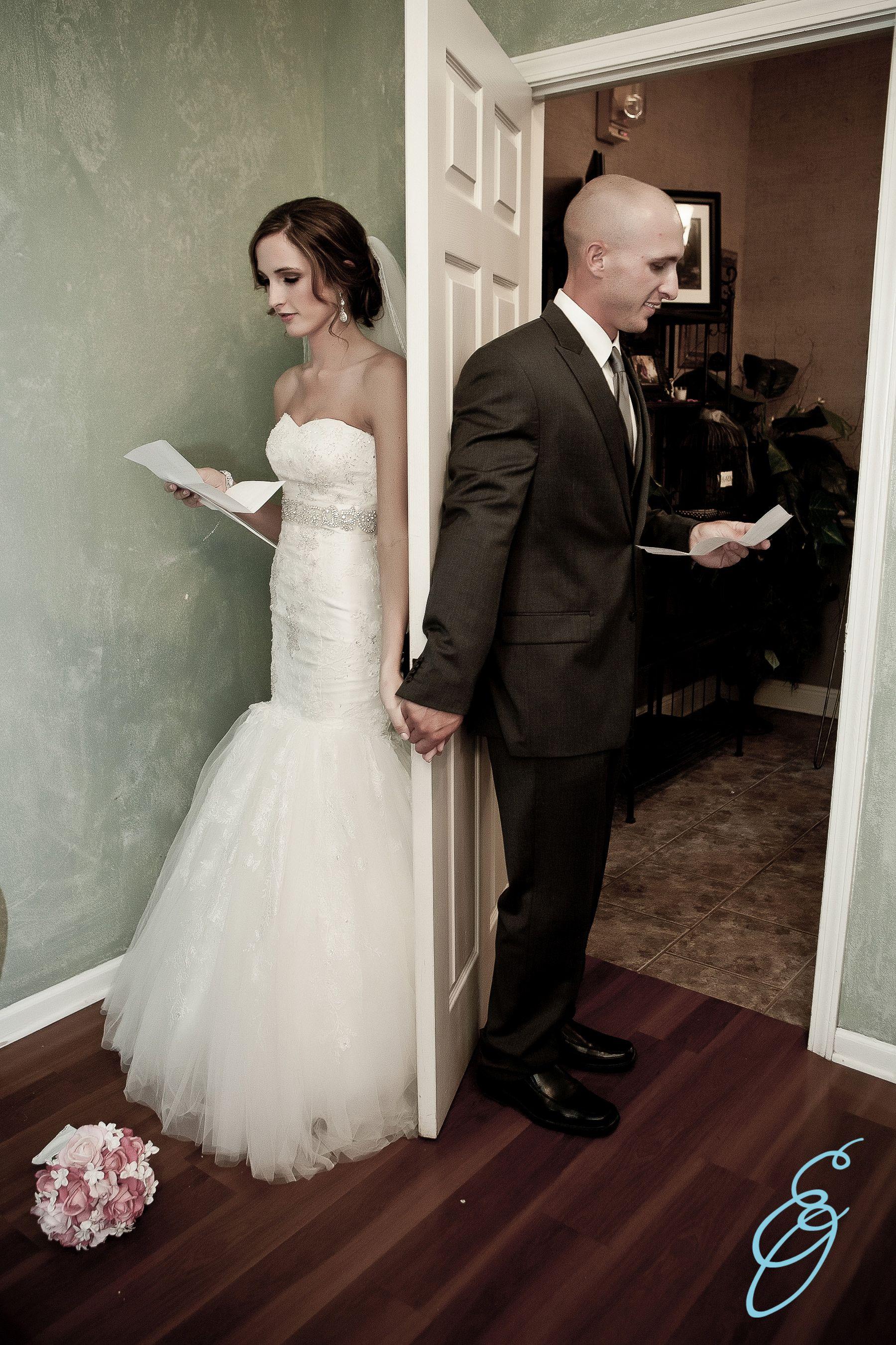 wedding photo bride groom door hold hands letter to bride groom