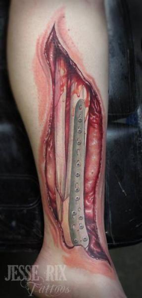 Tatouage Biomécanique Jambe Cicatrice par Jesse Rix Tattoo Art