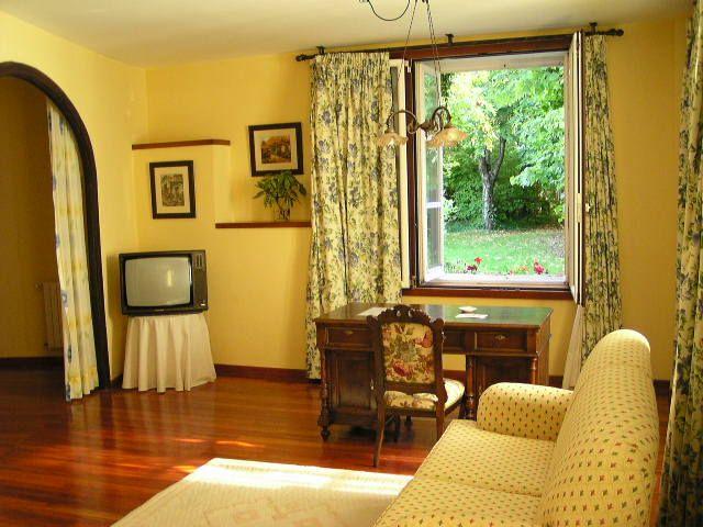 Decoracion interior y mobiliarios de color amarillo for Paredes de colores decoracion