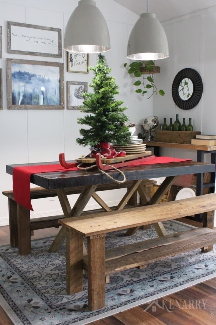 Great A Tree With A Sled On A Red Burlap Table Runner Adds Dramatic Style To Your  Christmas Home Decor, Especially On A Farmhouse Style Table.