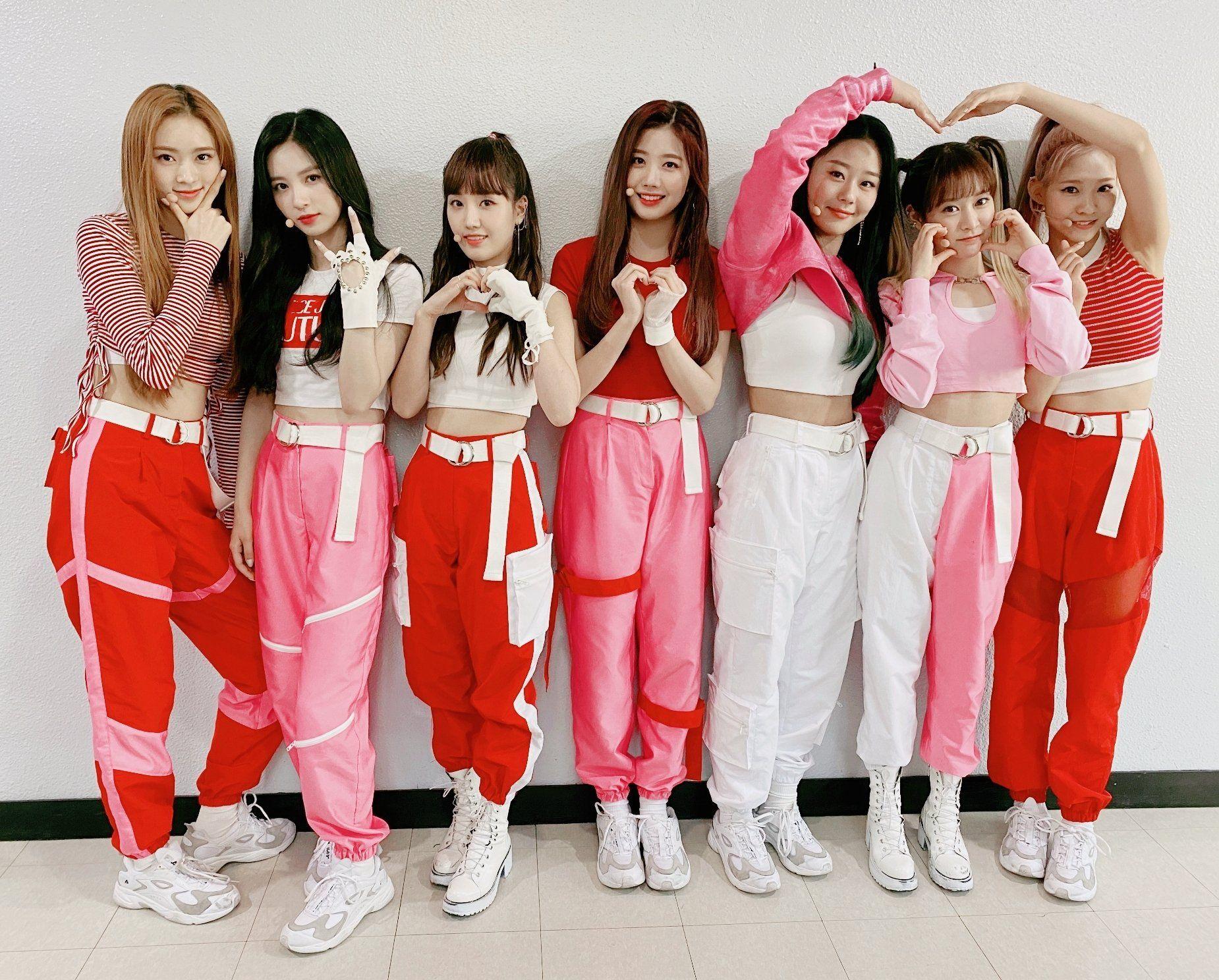 Cherry Bullet (체리블렛) on Twitter   Kpop girls, Kpop outfits, Cherry