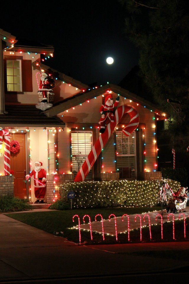 Luna navideña | Navidad | Christmas lights outside ...