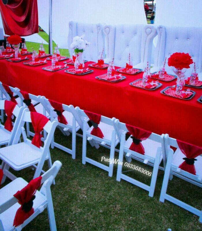 Minnie Mouse red party