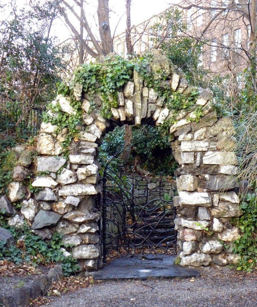 Garden gate. Dublin, Ireland