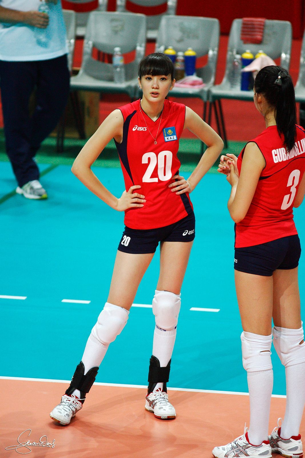 Volleyball Players In 2020 Female Volleyball Players Women Volleyball Volleyball Players