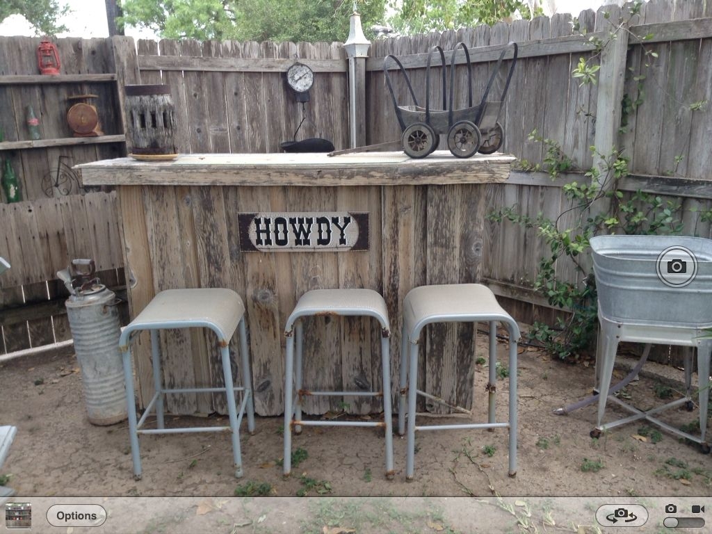 Pin By Christy Balli On Garden Decor Rustic Bar Rustic Fence