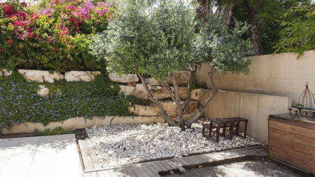 Ein mediterraner Garten bringt den Urlaub nach Hause Mit - garten terrasse anlegen ideen boden