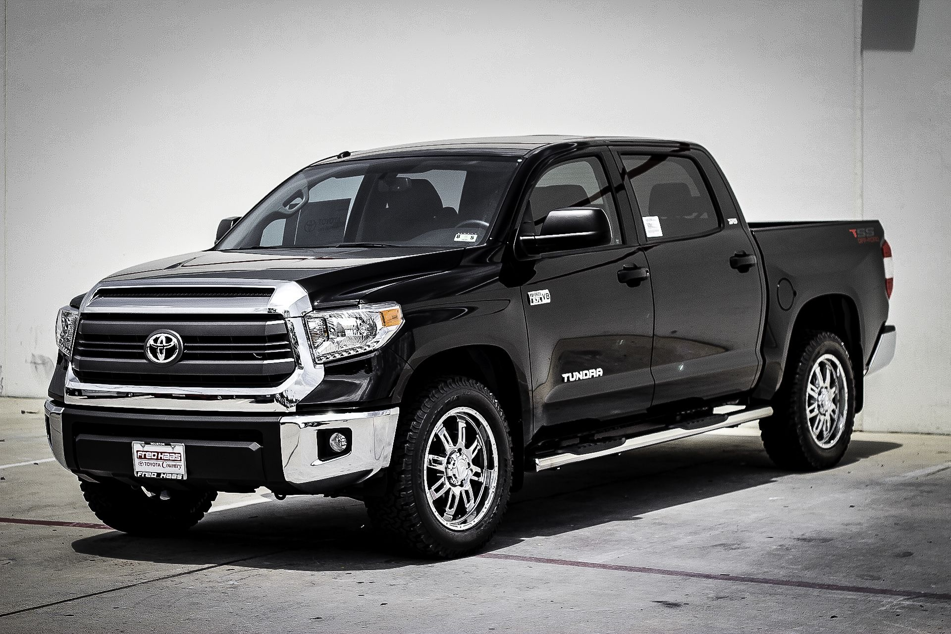 Our 1st 2014 Toyota Tundra is in! http