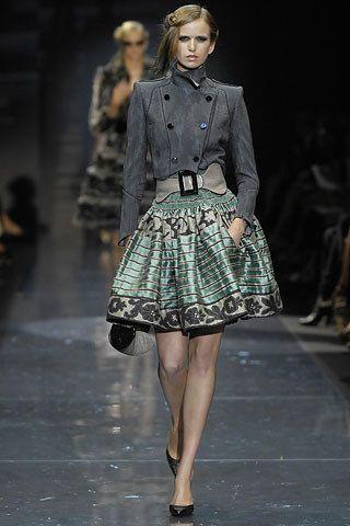 Armani Privé Fall 2007 Couture Fashion Show - Henrietta (IDOLE)