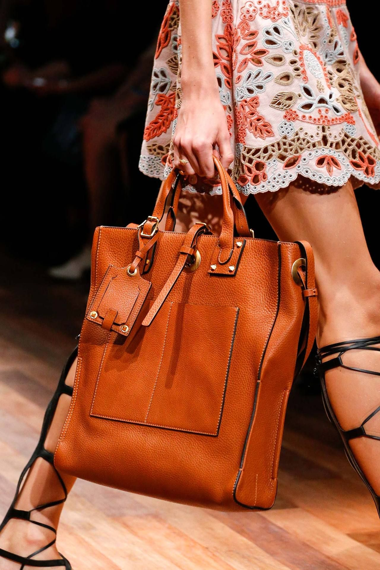 a67bb1d20e Valentino Spring 2015 Ready-to-Wear - Details Michael Kors Outlet