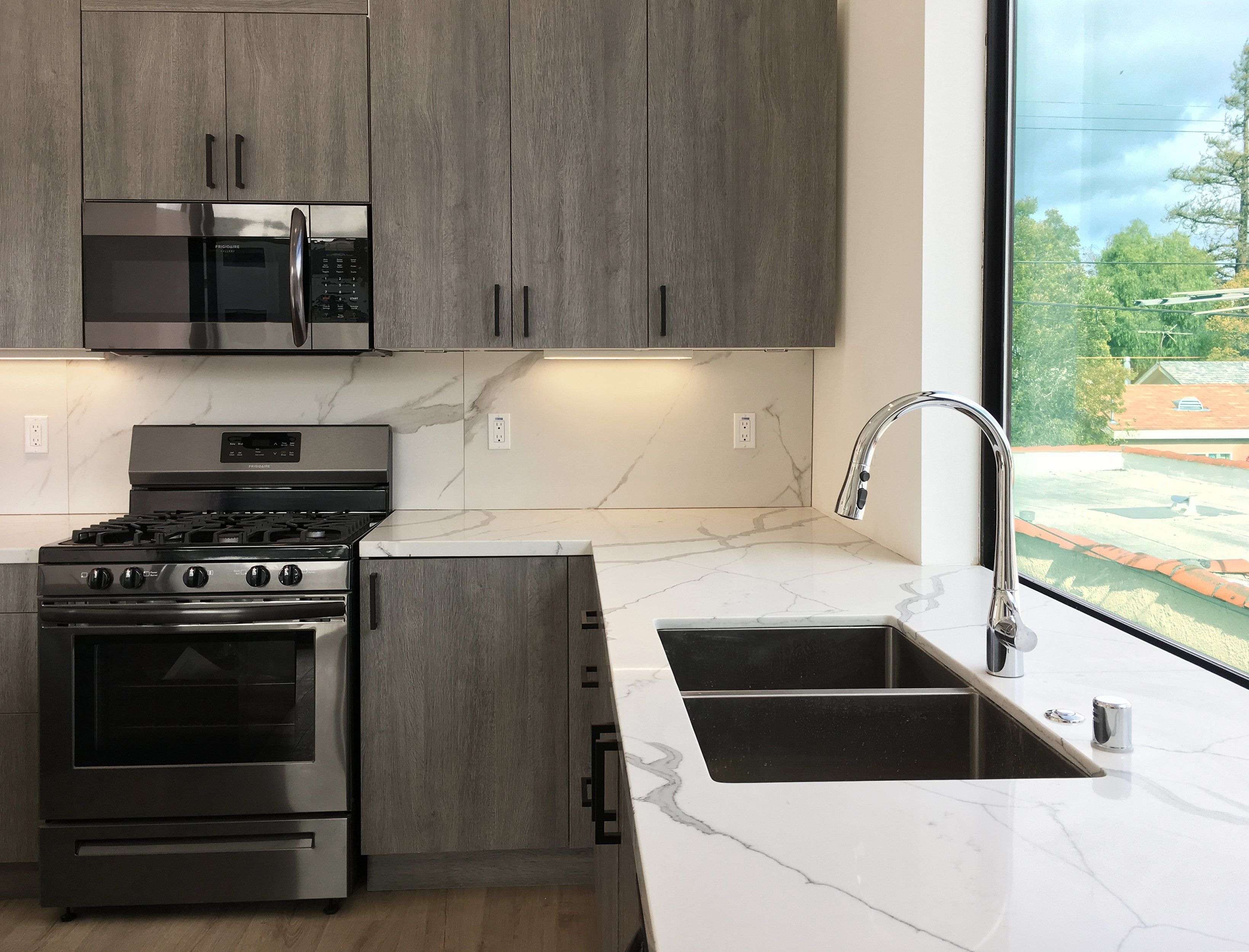 Sleek Quarry Kitchen In Culver City In 2019 Minimalist Living