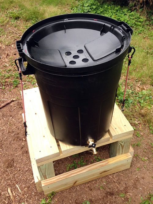 Diy Garbage Can Rain Barrel In 2020 Rain Barrel Rain Water Collection Rain Barrels Diy