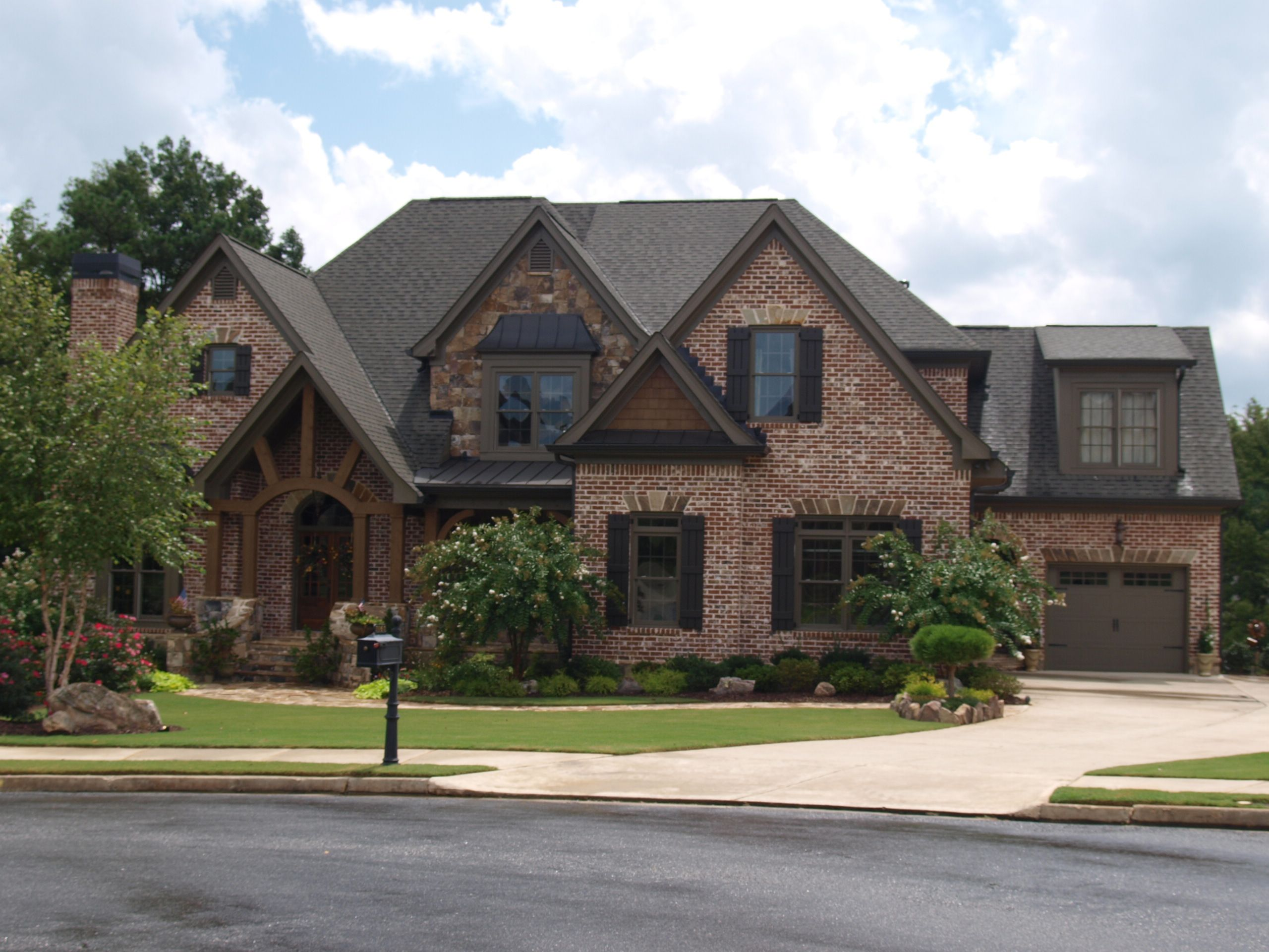 Stone and brick combinations the preserve at fieldstone for Brick home plans