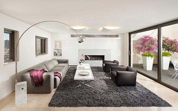 Modern toll Lampen grau couch rosa blumen pelzteppich tisch sofa ...