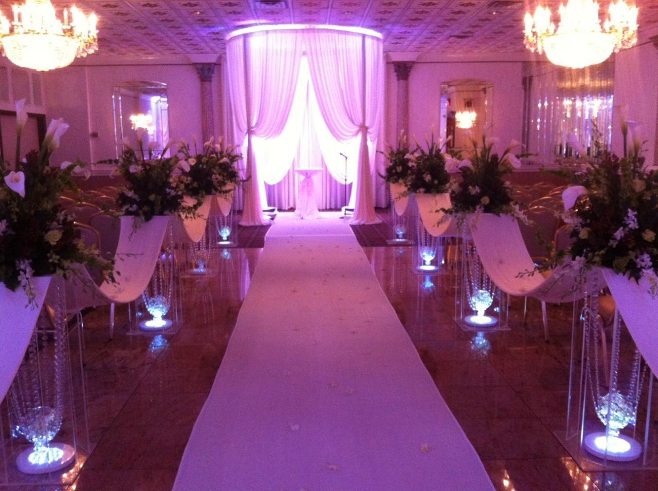 Wedding: Aisle Columns