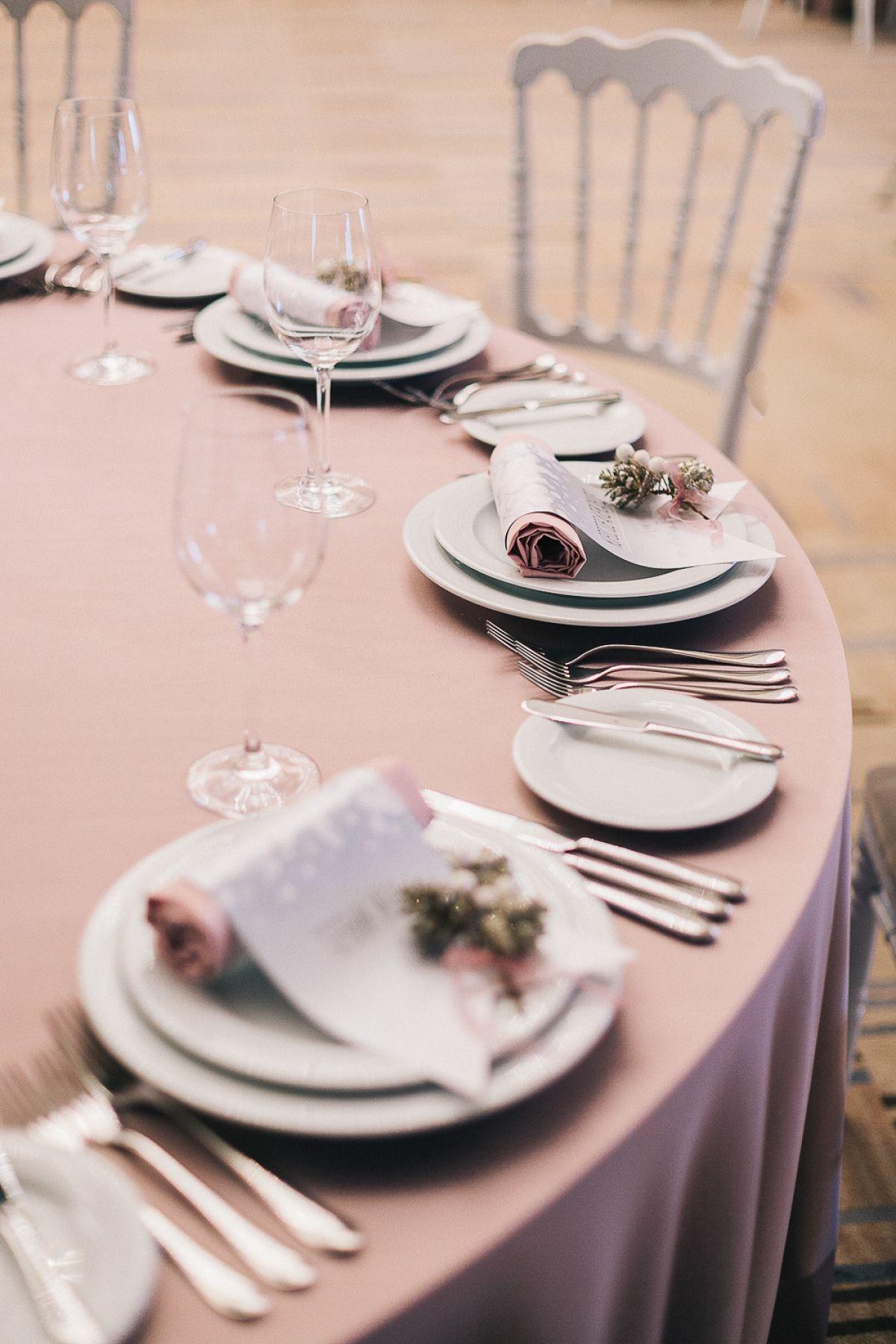winter, wedding decor, winter ceremony, snowy wood свадьба, свадебная церемония, свадебная арка, оформление церемонии, зимний декор, зимняя свадьба, волшебный лес, сервировка стола