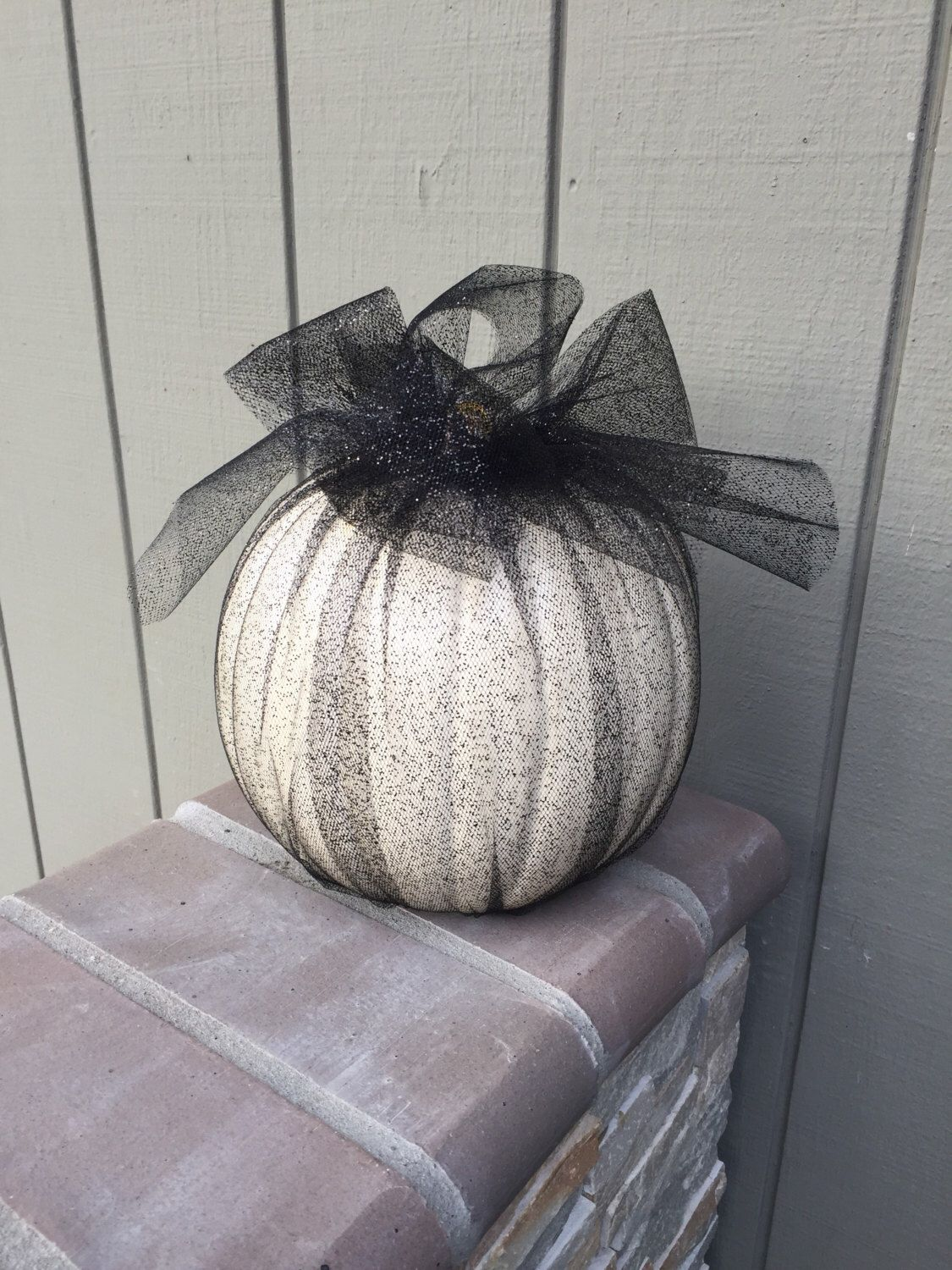 Halloween faux pumpkins in glitter tulle, halloween decor, fall - Inside Halloween Decorations