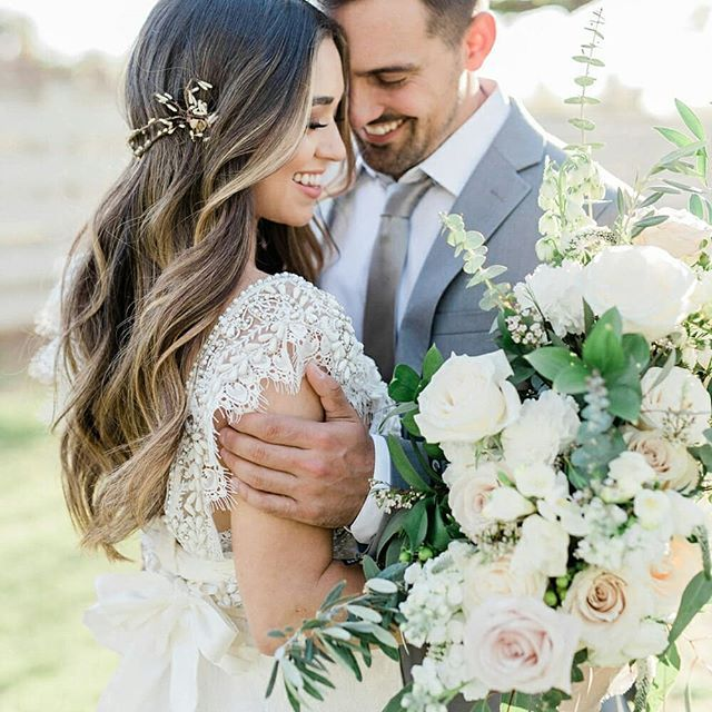 Effortless Classic Wedding Bouquet Regram Via Brbamhphaqb