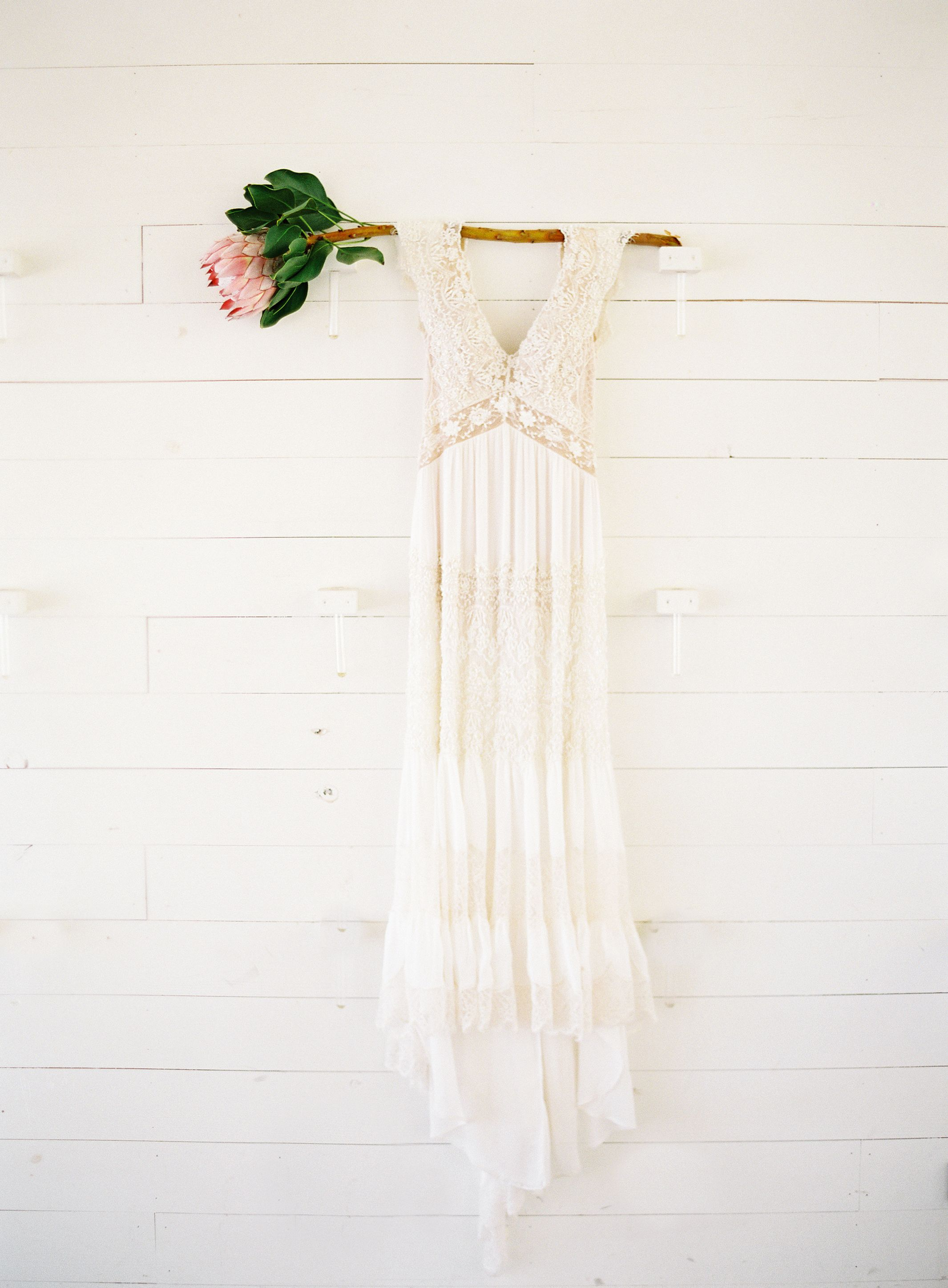 This Texas Fete Has all the Anthropologie Vibes | Boho chic wedding ...