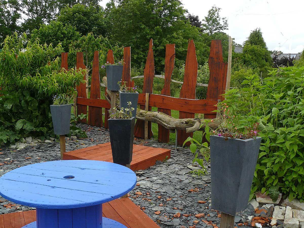 Les Jardins Rocambole 35 Arrosoirs Et Secateurs Decoration