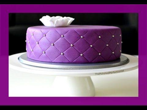 Quilted Cake Gestepptes Muster Fondanttorte Mit Quilted Gestepptem Muster Von Kuchenfee Kuchen Mit Fondant Lila Kuchen Torten Dekorieren