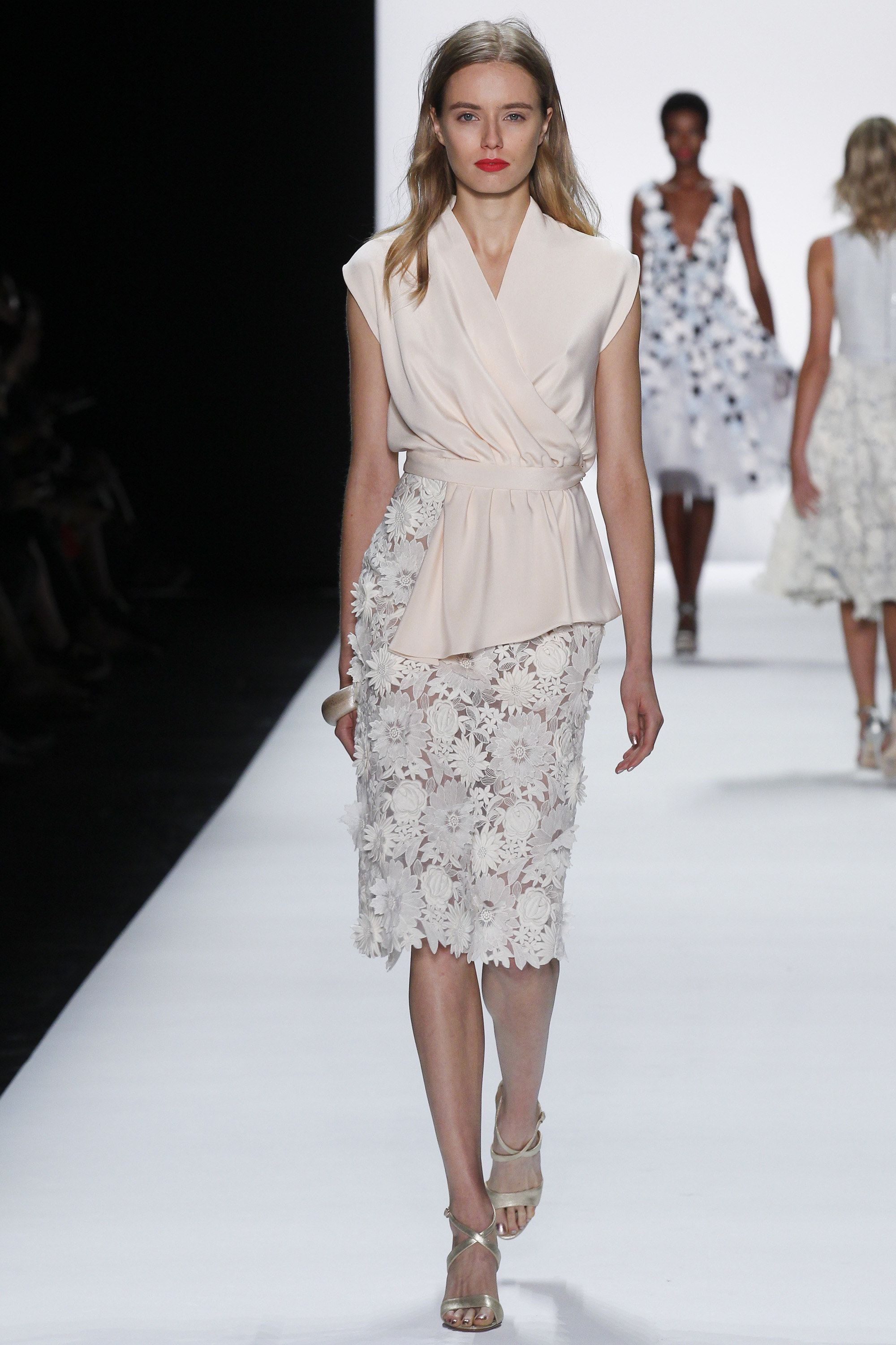 #NYFW #Spring2016 #NewYorkFashionWeek Badgley Mischka Spring 2016 Ready-to-Wear Collection Photos - Vogue