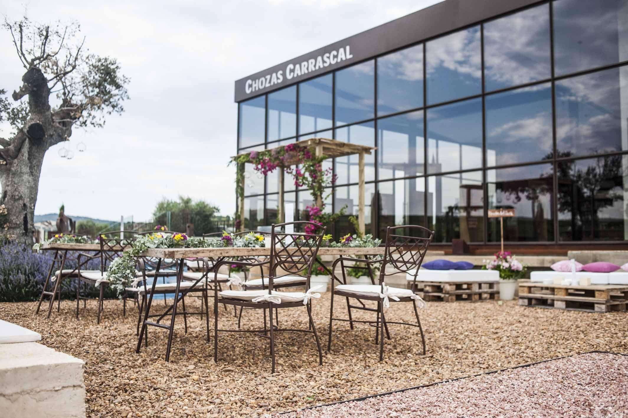 Terraza de bodega chozas carrascal muebles de forja de https fustaiferro - Muebles terraza valencia ...