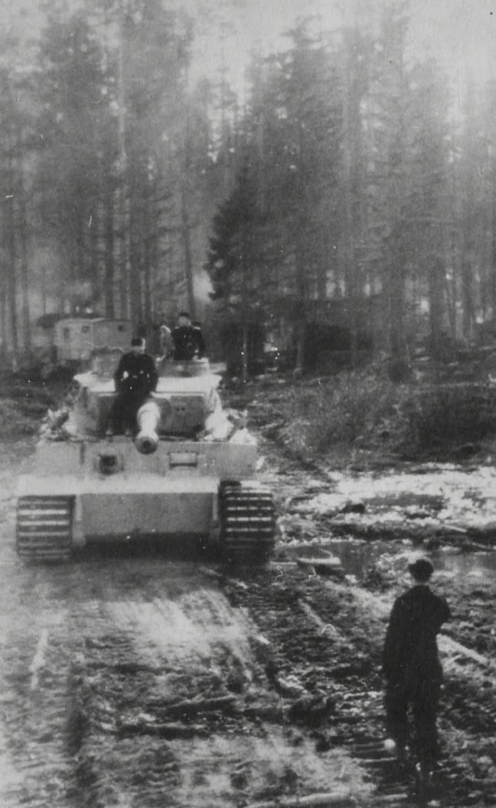 """Tiger """"3"""" from of schwere Panzer-Abteilung 502 – Eastern Front 1943"""