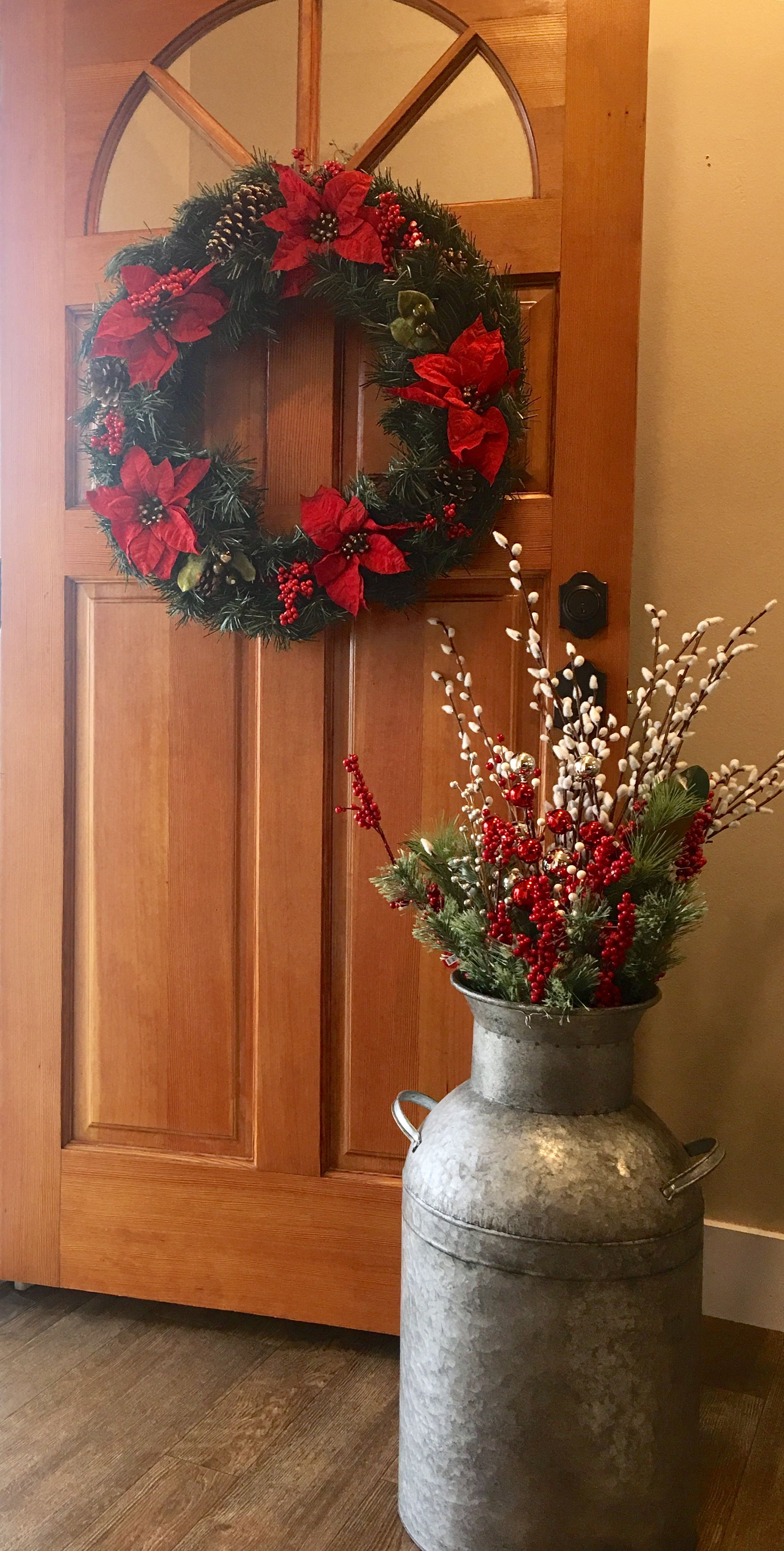 Simple farmhouse Christmas decor. Galvanized milk can