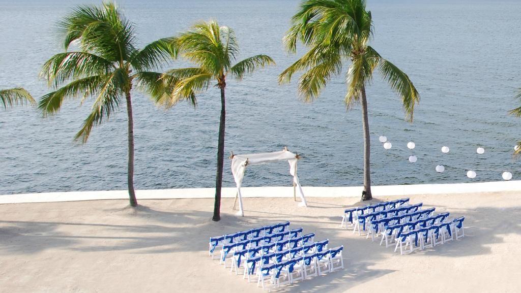 Book Key Largo Bay Marriott Beach Resort Key Largo On Tripadvisor See 1 926 Traveler Reviews 1 745 Cand Key Largo Beach Ceremony Florida Keys Wedding Venues