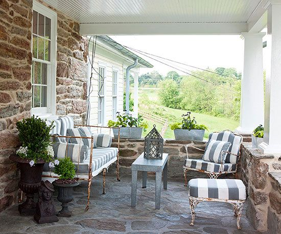 Pretty Covered Patios | Muebles, Telas y Ideas de jardinería