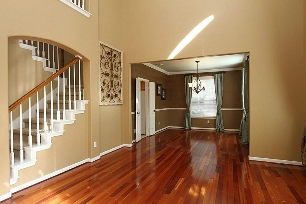 I Like The Floor And Wall Color Together Living Room Wood Floor Cherry Wood Floors Cherry Hardwood Flooring