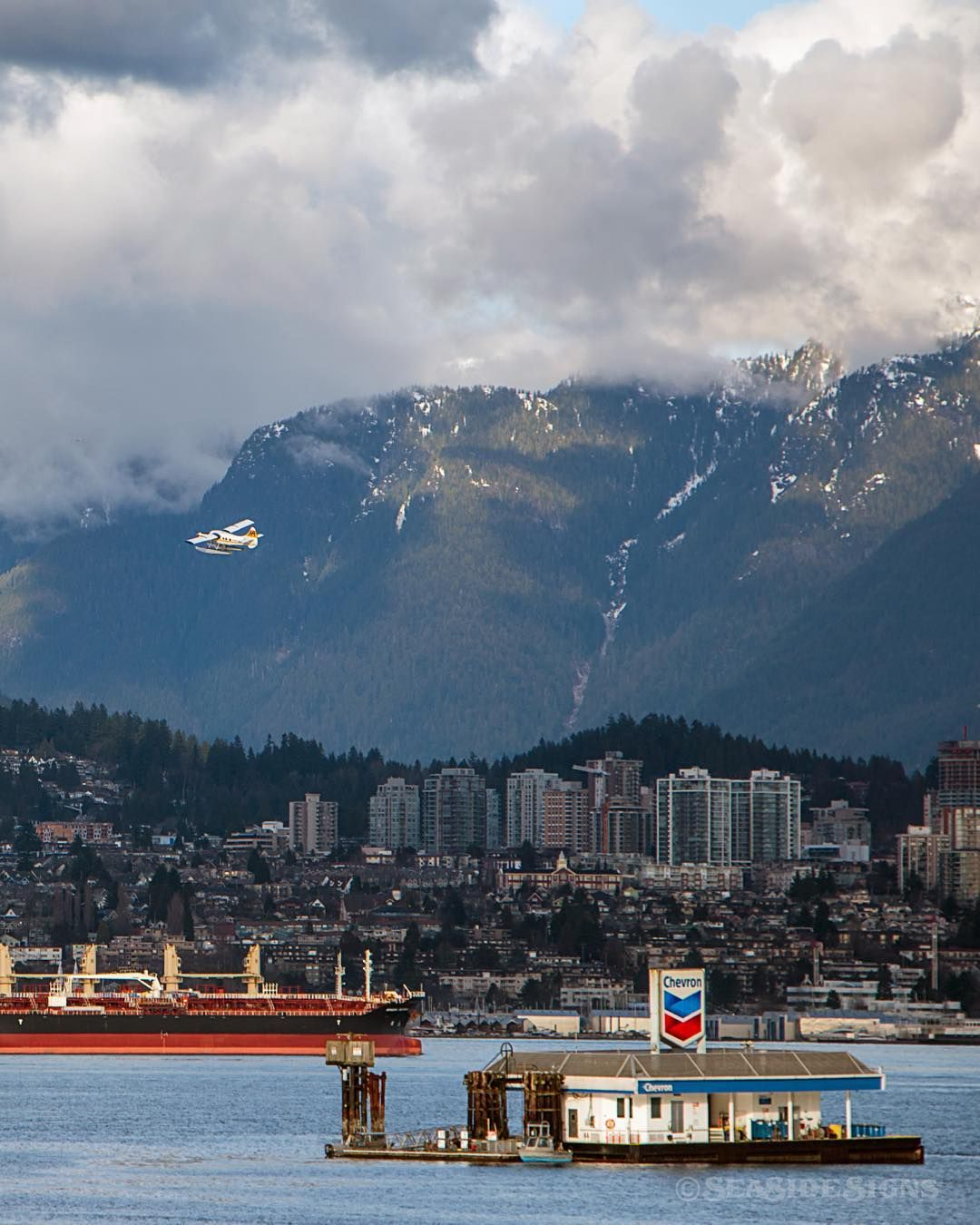 Coal Harbour Air @HarbourAir Seaplane takes off from the