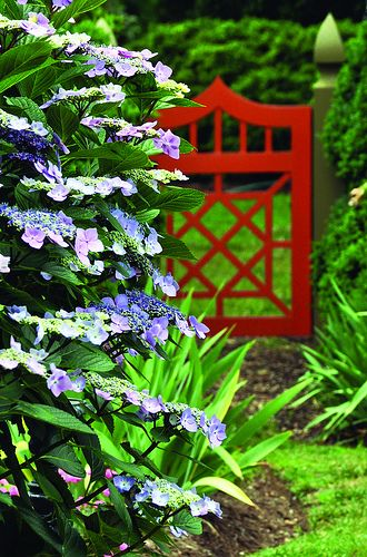http://southerncosmopolitan.com/wp-content/uploads/2013/03/gardenweek.jpg