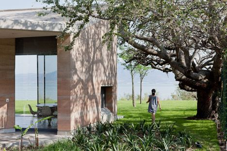 Rammed Earth Walls Join With Concrete At Tatiana Bilbaou0027s Ajijic House